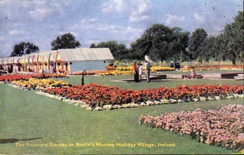 BUTLINS MOSNEY CHALETS GARDENS